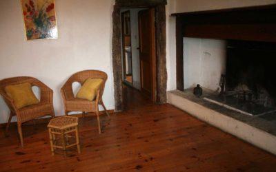 Le petit salon et sa cheminée