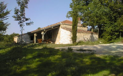 La maison de Coustals de La Gabertie vue en contrebas